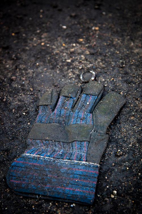 IMG_0961_L Mud Glove.jpg